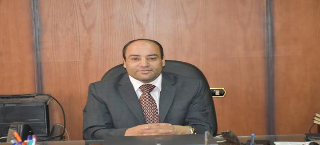 تتقدم كلية التربية ممثله في الاستاذ الدكتور ممدوح عبد المجيد و الدكتور خميس محمد خميس و الدكتورة مني الحرون