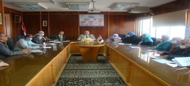 إجتماع السيد أ.د/ عميد المعهد والسادة الوكلاء بالسادة أعضاء هيئة التدريس بالمعهد