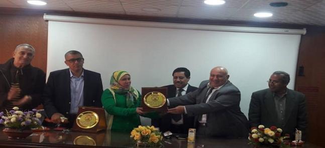 بالصور :- حفل تكريم  المعهد للدكتور/ أحمد بشير و الدكتورة/ هدى حافظ لحصول سيادتهم على جائزة التفوق بجامعة مدينة السادات