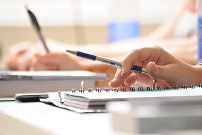 تجهيز التقارير للمقررات و مشاكلها وعمل التعديلات المطلوبة في البرامج المعمول بها حاليا