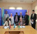 عميد المعهد يوقع اتفاقية مع جامعة الزرقاء بالأردن