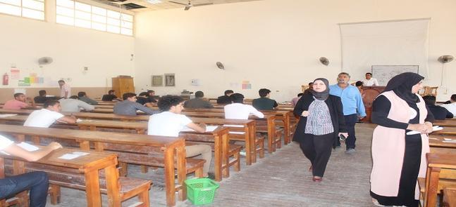 عميدة الكلية الأستاذة الدكتورة/سحر عبدالستار إمام تتفقد لجان امتحانات الفصل الدراسى الثانى بالكلية