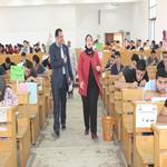 الأستاذة الدكتورة/ سحر عبد الستار إمام -عميدة الكلية تتفقد لجان امتحانات الفصل الدراسى الثانى مايو 2019