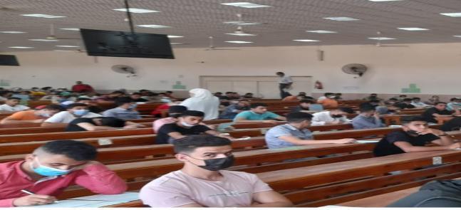 انتظام امتحانات الفرقه الاولى للفصل الدراسي الثاني بالكلية