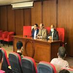 اجتماع عميد الكلية مع طلاب الدراسات العليا للعام الجامعى 2021/2020م